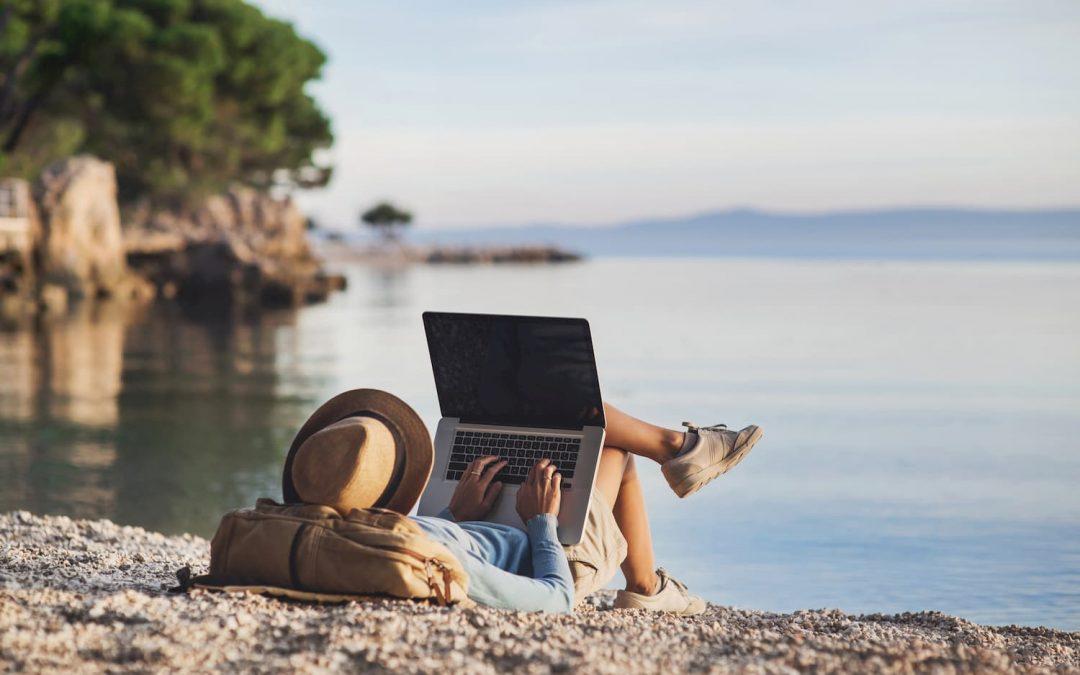 Travail à distance : comment voyager et travailler en même temps ?